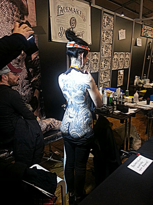 Delphine Noiztoy au Mondial du Tatouage 2016.
